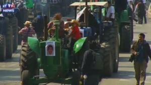Manifestation d'agriculteurs au Mexique en mémoire des 43 étudiants disparus