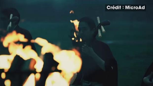 Au Japon, un feu d'artifice silencieux, étonnant