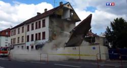 Le 13 heures du 20 août 2014 : Leur appartement se fissure sous leurs yeux et un pan de l'immeuble s'effondre - 898.032