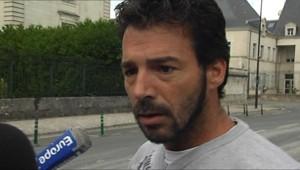 Miguel Duquenet, qui accompagnait le jeune gitan abattu par les gendarmes à Saint-Aignan, se rend au palais de justice de Blois.