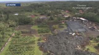 Le volcan Kilauea en éruption à Hawaï, les coulées de lave aux portes des habitations