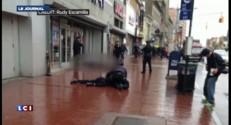 Policiers attaqués à la hache à New York: les images de vidéo surveillance