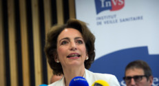 Marisol Touraine  l&#039;inVs pour parler des deux cas de coronavirus en France. 