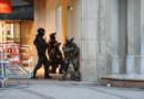 Des policiers aux abords de la station de métro Karlsplatz près du centre commercial Olympia de Munich le 22 juillet 2016