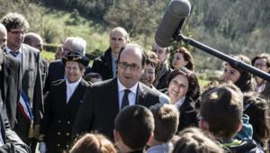 Hollande plaide pour le devoir de mémoire à Izieu