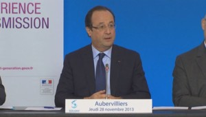 François Hollande à Aubervilliers le 28 novembre 2013.