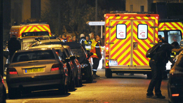 http://s.tf1.fr/mmdia/i/07/3/operation-du-raid-en-cours-a-toulouse-le-21-mars-2012-10667073kjonk_1713.jpg?v=1