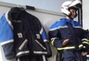 L'ancien uniforme des motards de la police nationale (à gauche) et le nouveau (à droite)