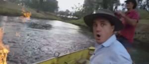 Pour prouver l'impact environnemental de la fracturation hydraulique, ce député met une rivière en feu
