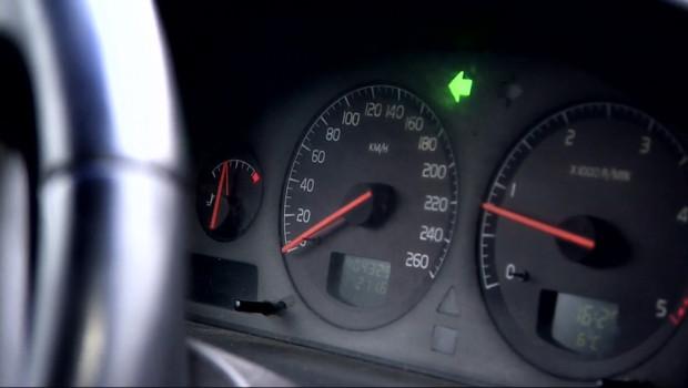 voiture cadran vitesse route sécurité routière volant clignotant automobile