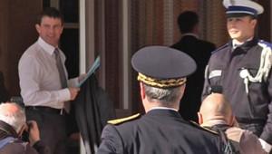 Avec la ministre de la Justice, le ministre de l'Intérieur poursuivait lundi sa visite en Corse pour réaffirmer l'engagement de l'Etat contre la grande criminalité.