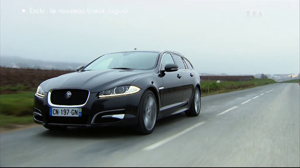 vid o automoto essai vid o exclusivit automoto jaguar xf sportbrake mytf1. Black Bedroom Furniture Sets. Home Design Ideas