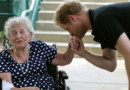 Le prince Harry et Ruth Uffelman 91 ans lors des Invictus Games 2016 à Orlando, Floride