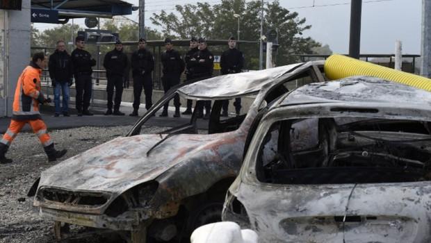 Près de deux-cents gendarmes mobiles ont été déployés à Moirans au lendemain des violences qui ont causé de nombreux dégâts matériels.
