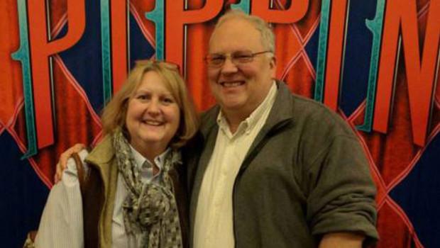 Wendy Thomas (ici avec son mari Mark Nozell le 7 février 2016) raconte à MYTF1News la manière dont elle a vécu la campagne des primaires dans le New Hampshire.