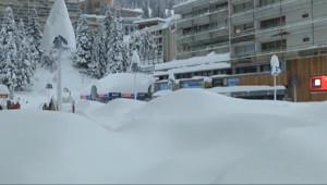 Le 20 heures du 1 février 2015 : Coupée du monde par la neige, la station de Gourette s%u2019organise - 1406.631