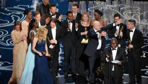 L'équipe du film 12 Years a Slave, meilleur film, sur la scène des Oscars 2014