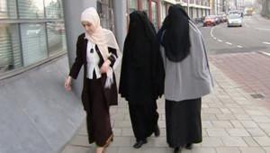 Femmes portant le voile