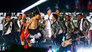 Bruno Mars et les Red Hot Chili Peppers lors du Super Bowl, le 2 février 2014, près de New York.