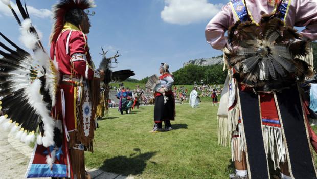 Indiens d'Amérique en habits traditionnels (juin 2010)