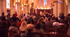 Le 13 heures du 26 avril 2015 : Villejuif : une messe dominicale sous surveillance policière - 725.2280000000001