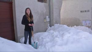 Le 13 heures du 4 février 2015 : Avec la neige, tout est une question d'adaptation - 1081.8702321166993