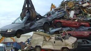 voiture usine casse