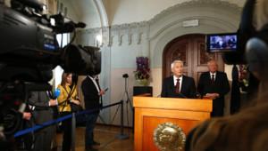 Le président du comité Nobel, Thorbjorn Jagland, donne le nom du lauréat du prix Nobel de la Paix 2013 : l'organisation pour l'interdiction des armes chimiques.