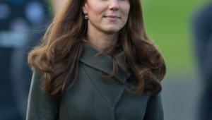 """Kate Middleton, Duchesse de Cambridge à la cérémonie d'ouverture de la """"Football Association's National Football Centre"""" à St. George's Park, UK. Photo prise le 9 octobre 2012."""