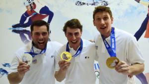 Arnaud Bovolenta (argent), Jean-Frédéric Chapuis (or) et Jonathan Midol (bronze), les trois médaillés français de l'épreuve de Skicross à Sotchi