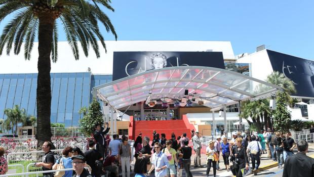 Le palais des Festivals de Cannes avant l'ouverture du 65e Festival