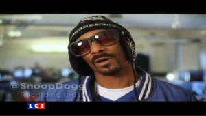 Le rappeur Snoop Dogg souhaite un joyeux anniversaire à Twitter pour ses cinq ans.