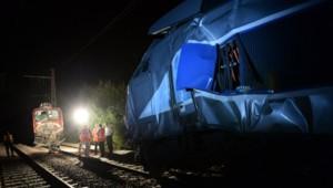 Un TER a heurté jeudi en fin d'après-midi un TGV reliant Tarbes à Paris, à une vingtaine de km de Pau.