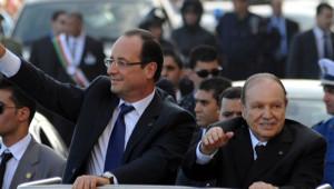 François Hollande et Abdelaziz Bouteflika paradent dans Alger, 19/12/12