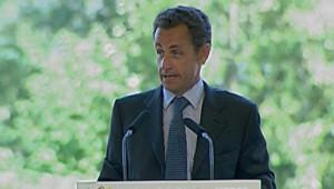 TF1/LCI Nicolas Sarkozy tient un discours lors de l'université du Medef, en 2006, à Jouy-en-Josas dans les Yvelines.