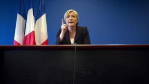 Marine Le Pen lors d'une conférence de presse à Nanterre le 10 avril 2012.