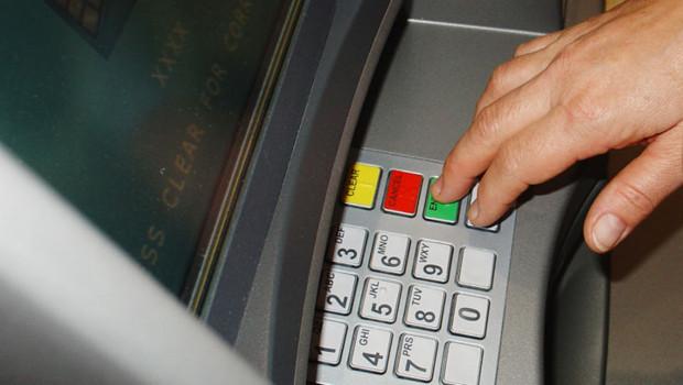 retirer de l'argent dab guichet ditributeurs billets