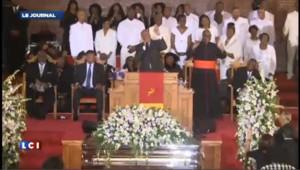 L'ancienne chorale de Whitney Houston chante pour ses obsèques