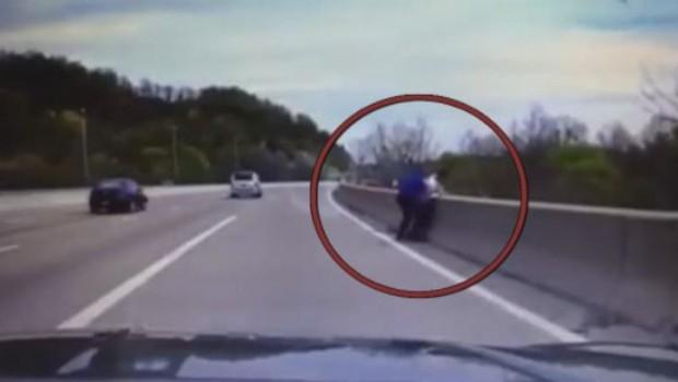Il tente de se jeter d'un pont, ce policier va lui sauver la vie in extremis (28/04)