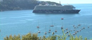 Alpes-Maritimes : Villefranche-sur-Mer accueille ses premiers croisiéristes avec entrain