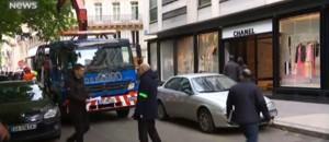 Paris : une boutique Chanel attaquée à la voiture-bélier, les premières images sur place