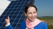 Ségolène Royal, lors de l'inauguration, le 17 mai, à Thouars (Deux-Sèvres) d'un chantier d'un parc solaire produisant de l'électricité à un prix garanti pendant 30 ans.
