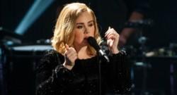 La chanteuse britannique Adele lors d'une émission sur la chaîne allemande RTL (décembre 2015)
