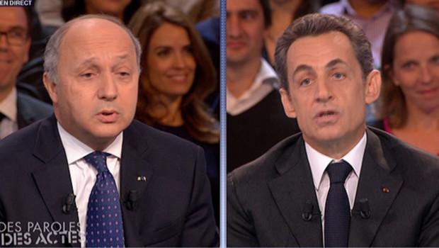 Laurent Fabius et Nicolas Sarkozy dans des Paroles et des actes mardi 6 février 2012 sur France 2.