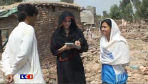 Angelina Jolie auprès des sinistrés pakistanais
