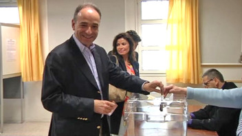 Copé vote à Meaux, le 17 juin 2012.