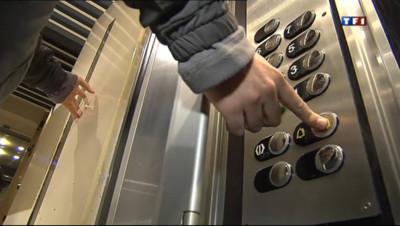 Le 20 heures du 12 mai 2013 : La s�risation des ascenseurs repouss�d'un an - 1611.392