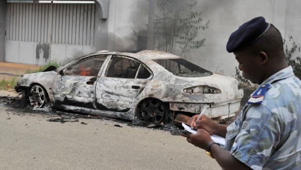 Une attaque contre le siège du parti de l'ancien président ivoirien Laurent Gbagbo a fait trois blessés à Abidjan.