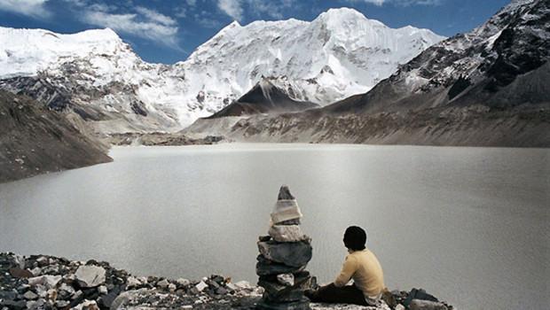 La fonte des glaciers (ici l'Himalaya) est le principal indicateur du changement pour les experts