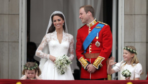 Kate, William demoiselles d'honneur Buckingham